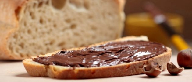slice of bread with chocolate hazelnut