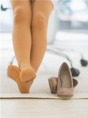 2181346-10-trucs-anti-jambes-lourdes