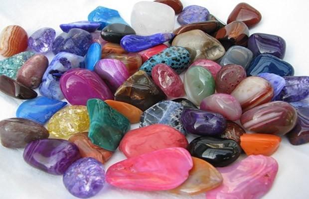 lithotherapie-pierres-et-cristaux-620x400