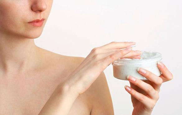 Eczema-bien-hydrater-pour-limiter-les-poussees_width585