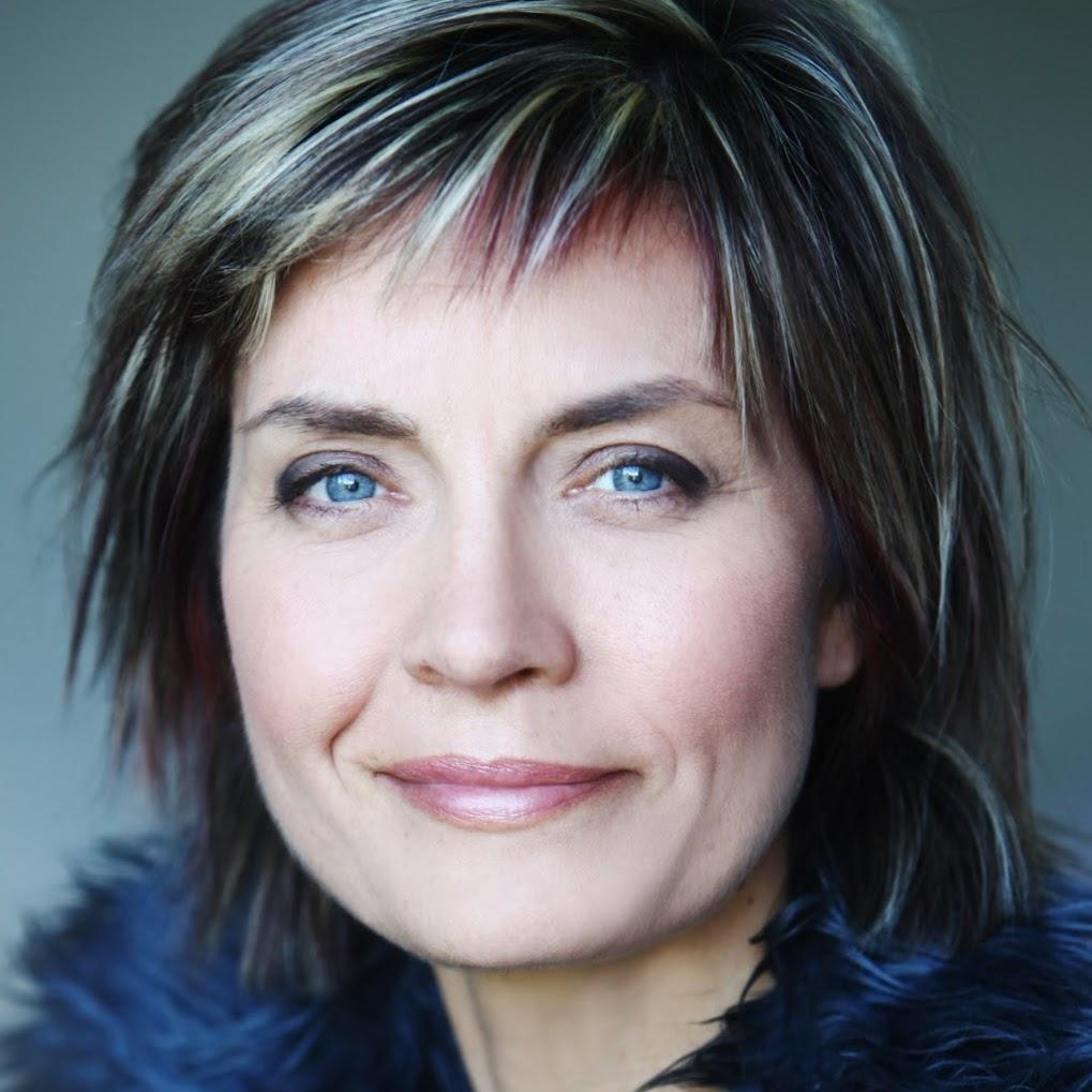 Fabienne Dalphin HD 0018
